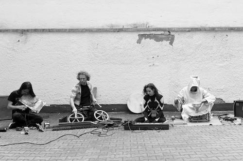small Pressefoto Musica Povera